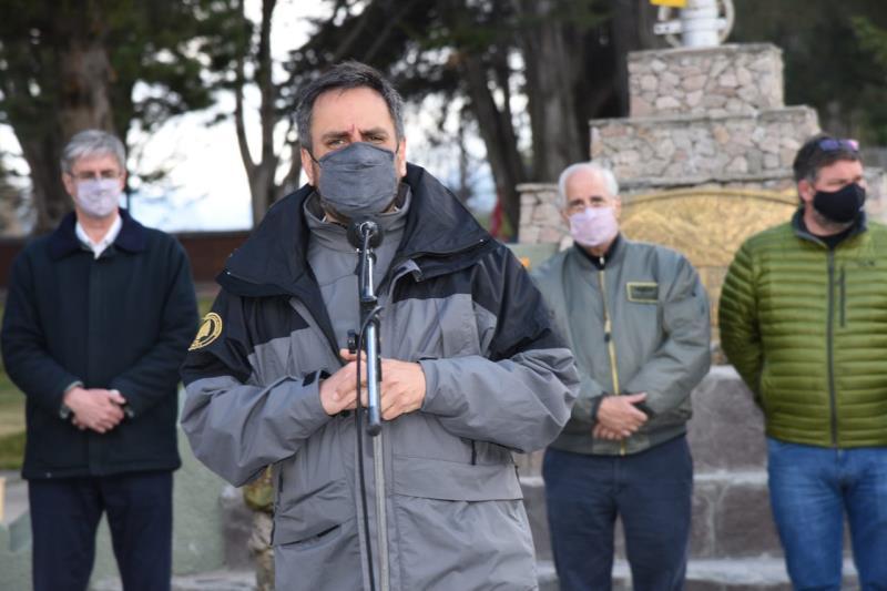 Cabandié y Taiana reconocieron el trabajo del Ejército por el combate a los incendios forestales en la Comarca Andina